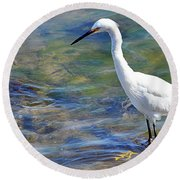 Patient Egret Round Beach Towel
