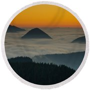Peaks Above The Fog At Sunset Round Beach Towel