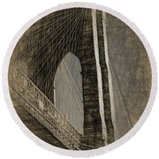 Pencil Sketch Of The Brooklyn Bridge Round Beach Towel