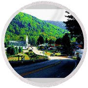 Pennsylvania Mountain Village Round Beach Towel