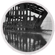Peter Iredale Shipwreck In Black And White Round Beach Towel