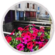 Petunias Of Amiens Round Beach Towel by Therese Alcorn