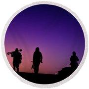 Photographers At Sunset Round Beach Towel