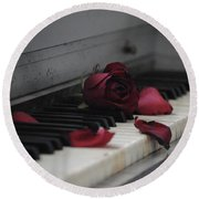 Piano With Vintage Rose Round Beach Towel
