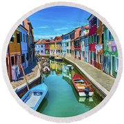 Picturesque Buildings And Boats In Burano Round Beach Towel