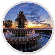 The Pineapple Fountain At Sunrise In Charleston, South Carolina, Usa Round Beach Towel