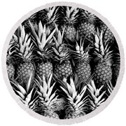 Pineapples In B/w Round Beach Towel