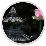 Pink Water Lily With Black Background Round Beach Towel