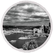 Pittsburgh Skyline With Boat Round Beach Towel