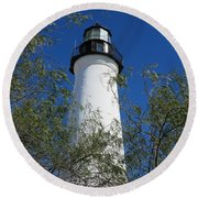 Point Isabel Light Round Beach Towel