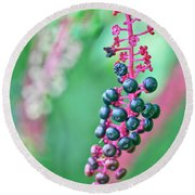 Poke Berries Round Beach Towel