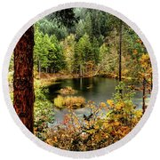 Pond At Golden Or. Round Beach Towel