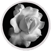 Porcelain Rose Flower Black And White Round Beach Towel