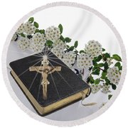Prayer Book With Flowers Round Beach Towel