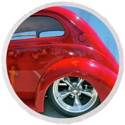 Round Beach Towel featuring the photograph Pretty Rear Quarter by Bill Thomson