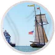 Pride Of Baltimore Round Beach Towel