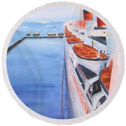 Queen Mary From The Bridge Round Beach Towel