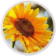 Radiant Yellow Sunflower Round Beach Towel