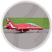Raf Scampton 2017 - Red Arrows Xx322 Sitting On Runway Round Beach Towel