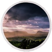 Rain Showers Over Willoughby Gap Round Beach Towel