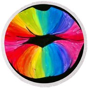 Rainbow Smooch Round Beach Towel
