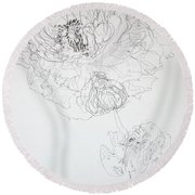 Ranunculus And Bud Round Beach Towel