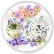 Ranunculus And Daisies With Vintage Tea Cups Round Beach Towel