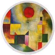 Red Balloon Round Beach Towel