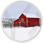 Red Barn In Winter Round Beach Towel