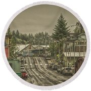 Red Bridge Haze Round Beach Towel