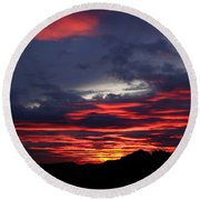 Red Cloud Mountain Round Beach Towel