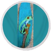 Red-eyed Tree Frog Round Beach Towel