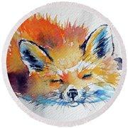 Red Fox Sleeping Round Beach Towel