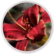 Red Lilly Round Beach Towel