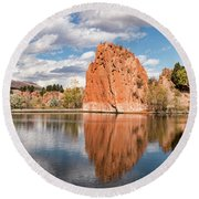 Red Rock Canyon Reservoir Round Beach Towel
