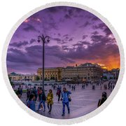 Red Square At Sunset Round Beach Towel