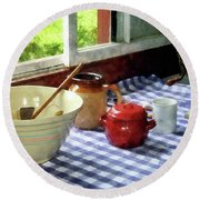 Red Sugar Bowl Round Beach Towel