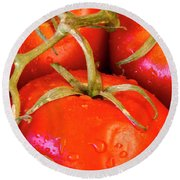 Red Tomatoes And Water Drops Round Beach Towel