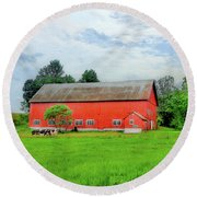 Red Vermont Barn Round Beach Towel