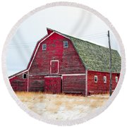 Red Winter Barn Round Beach Towel