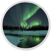 Reflected Aurora Over A Frozen Laksa Round Beach Towel
