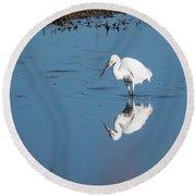 Reflections White Egret Round Beach Towel