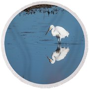 Reflections White Egret Round Beach Towel