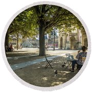 Relaxing Afternoon In Paris Round Beach Towel