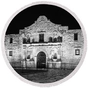 Remembering The Alamo - Black And White Round Beach Towel