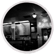 Retro Diner In Athens, Georgia -black And White Round Beach Towel