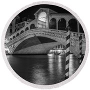 Rialto Bridge Black And White  Round Beach Towel