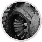 Ring And Pinion Bw Round Beach Towel
