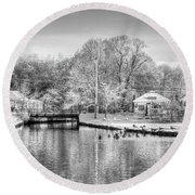 River In The Snow Round Beach Towel