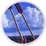 Roadside Arrows Round Beach Towel